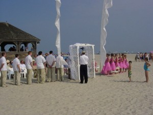Incorporate White Wedding Feather Banners In Your Wedding Ceremony